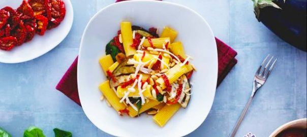 Pasta salad with aubergines and Sun dried tomatoes - Video recipe
